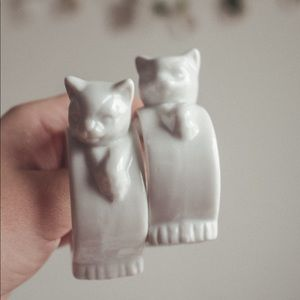 porcelain cat napkin rings made in Taiwan set of 6